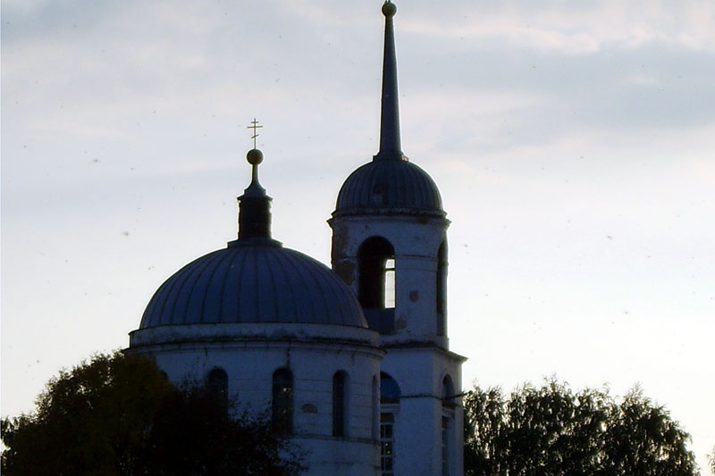 Свято-Покровский храм, с. Архарово. Октябрь 2007 г.