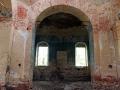 На стенах практически не осталось следов росписи.