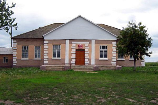 Клуб села Луковец