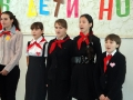 Поют пионеры Ивановской средней школы.