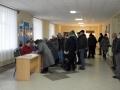 Полдень на участке для голосования - напряжённое время.