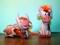 Такие новогодние сувениры Коровка и бычок делают на втором году обучения.