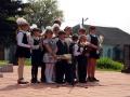 Ученики Протасовской школы выступают на митинге.