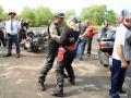 Мотоциклисты танцуют венский вальс.