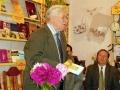 Талантливы писатель Леонард Золотарёв на презентации своей книги Грибное счастье.