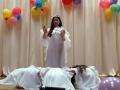 Танец, посвящённый маме, очень трогателен.