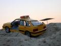 Забытая машинка несколько дней ждала своего хозяина на пляже.