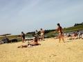 Глядя на некоторых посетителей пляжа, замечаешь, что лето наступило уже давно.