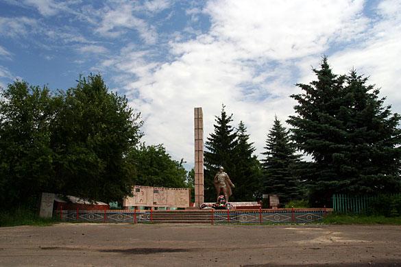 Воинский мемориал в селе Протасово.