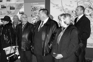Осмотр экспозиции музея боевой и трудовой славы Малоархангельска