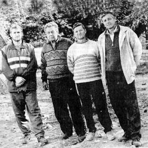 Члены бригады строителей (слева направо): Сергей Кавко, Юрий Баюр, Василий Трофимов, Василий Щербан