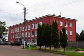 Здание администрации Малоархангельского района. Июнь 2009 года