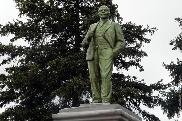 Памятник Ленину в Малоархангельске, 2011 год.