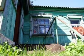 Вход в дом — крылечко деревянное