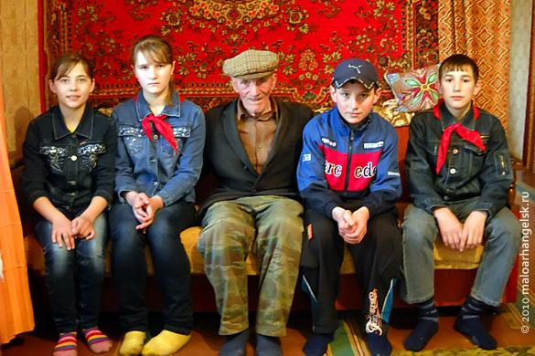 Ветеран войны на встрече с пионерами (15 апреля 2010 г.)