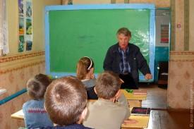 Бывший выпускник Н. М. Головин встретился с нынешними учениками школы