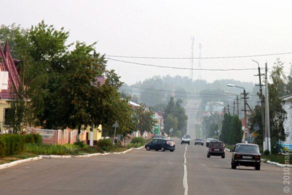 Центральная улица Малоархангельска. 7 августа 2010 года.