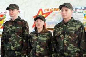 С конкурсом солдатской песни справились все отряды.