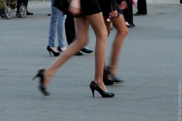 Ноги. Много.