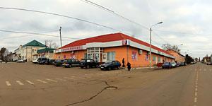 Центр Малоархангельска осенью 2011 года. Нажмите на изображение, чтобы перейти к осмотру (откроется в новом окне).