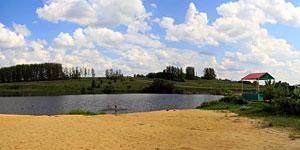 Панорама пруда Новый Беленький в Малоархангельске. Нажмите на изображение, чтобы перейти к осмотру (откроется в новом окне).