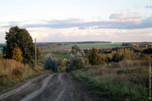 Село Легостаево находится на двух возвышенностях, удалено от шоссейных дорог.