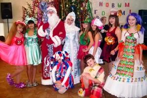 Новогоднее представление «Сладкая сказка», подготовленное воспитанниками театра-студии «Ступени».