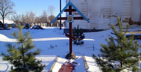 В селе Архарово мы зашли в Свято-Покровский храм.