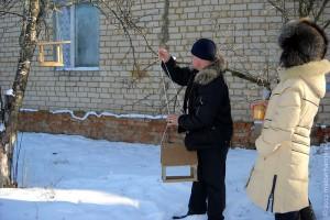 Помощь в устройстве кормушек ребятам оказал учитель технологии Острягин Сергей Николаевич.