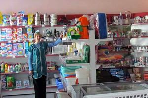 В магазине самообслуживания села Губкино.