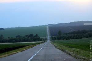 Дорога от Колпны к Малоархангельску, впереди Ясная Поляна.