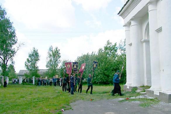 Крестный ход Курск — Дивеево в Архарове. 2003 год.