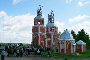 Крестный ход Курск — Дивеево в Малоархангельске. 2003 год.