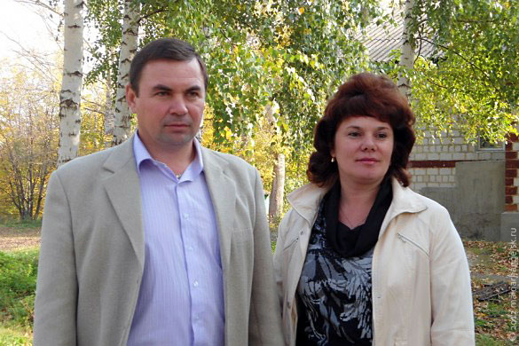 Директор Гнилоплотской школы и его заместитель.