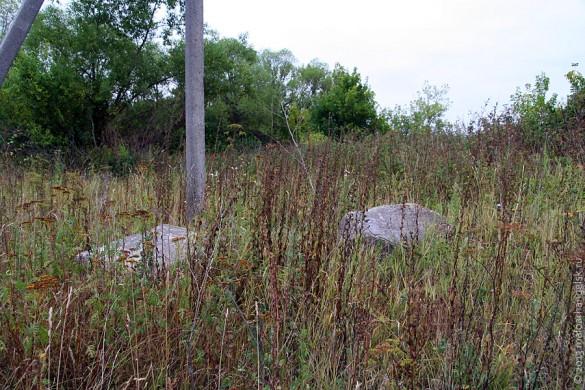 Надгробные камни в Луковце.