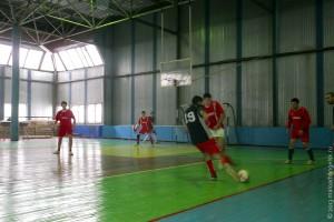 Моменты игры в футбол.
