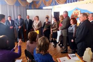 В честь юбилея Малоархангельского профтехучилища были вручены  почетные грамоты, благодарственные письма и ценные подарки.