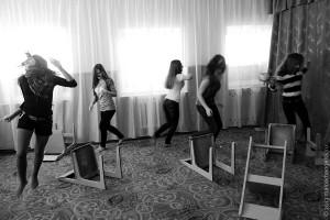 «СКВОЗЬ КАМНИ» — спектакль старшей группы театра-студии «СТУПЕНИ».