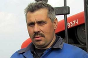 Механизатор широкого профиля Андрей Агарков.