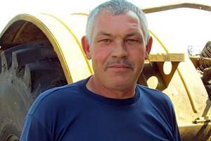 Николая Ивановича Кондратова в нашем районе знают как ответственного и высококлассного механизатора.