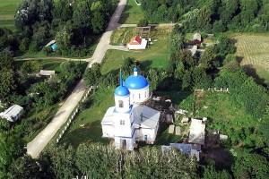На фото: село Архарово и Покровский храм села, на площади перед храмом и состоялся сход, где было принято решение о закрытии кабака.