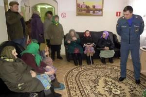 Специалисты управления надзорной деятельности провели надзорно-профилактические мероприятия в Доме ветеранов Малоархангельского района.