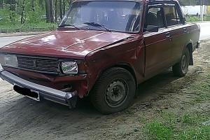Автомобиля ВАЗ 2105 после столкновения.