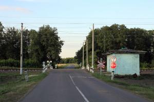 Железнодорожный переезд, перегон Глазуновка - Малоархангельск между о.п. 452 км и ст. Малоархангельск.