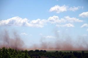 Пыль с полей.