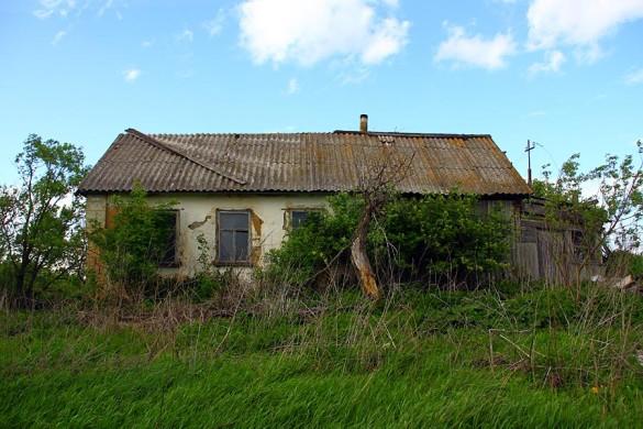 Брошеный дом в Семёновке.
