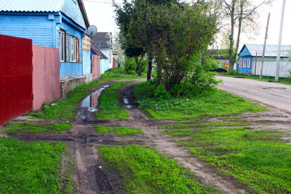 Тротуар на Октябрьском переулке.