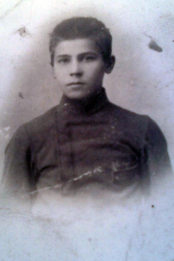 Исаев Николай Сергеевич, 1890 года рождения, старший сын С. Н. Исаева, фото 1905 г., когда он учился в Малоархангельске.