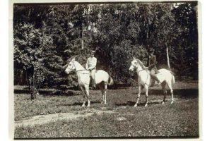 Валерий Николаевич Лясковский с сыном Владимиром в окрестностях села Дмитровское.