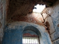 Кровля повреждена в части церкви, которая ближе к колокольне.